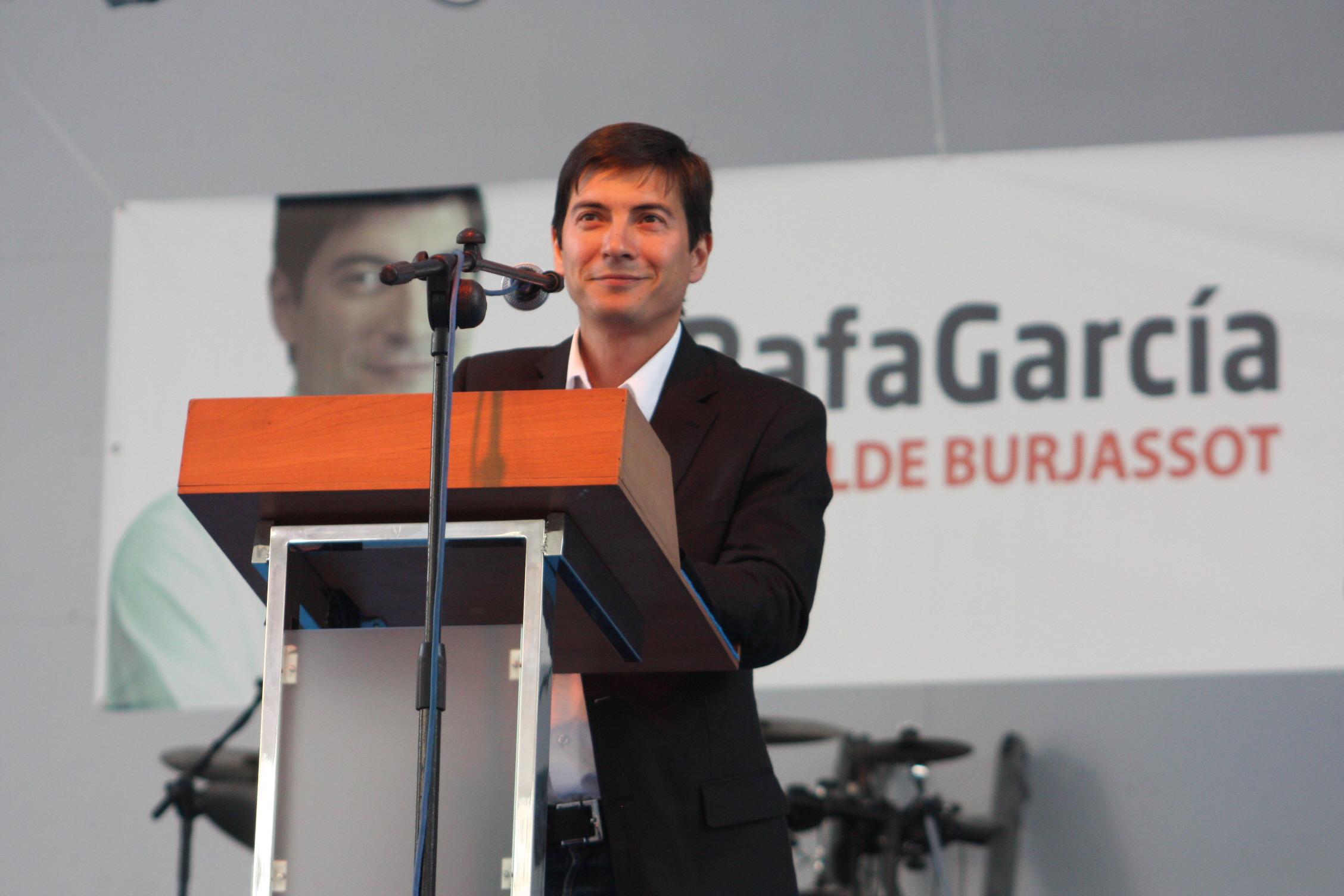 García seguirá peleando para que la Generalitat soterre el tren a su paso por Burjassot
