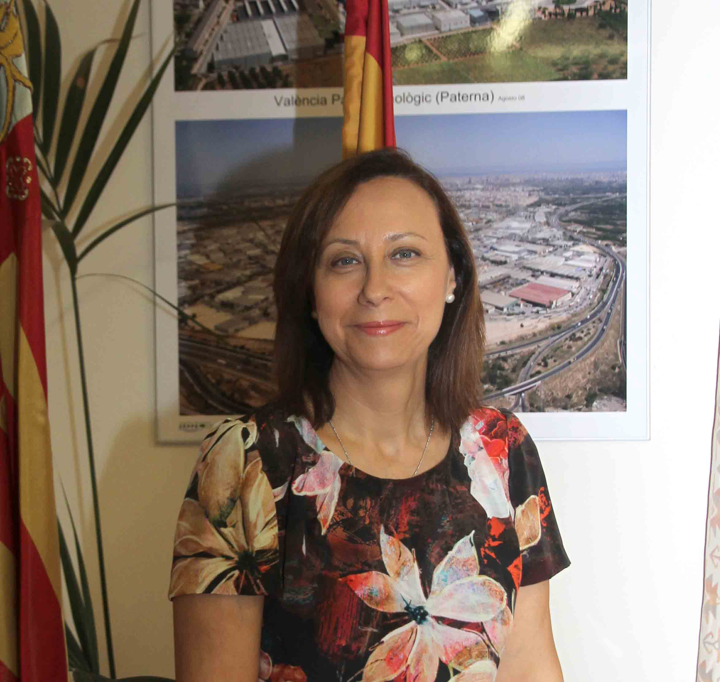La alcaldesa de Paterna te atiende a través de WhatsApp en el 664238944