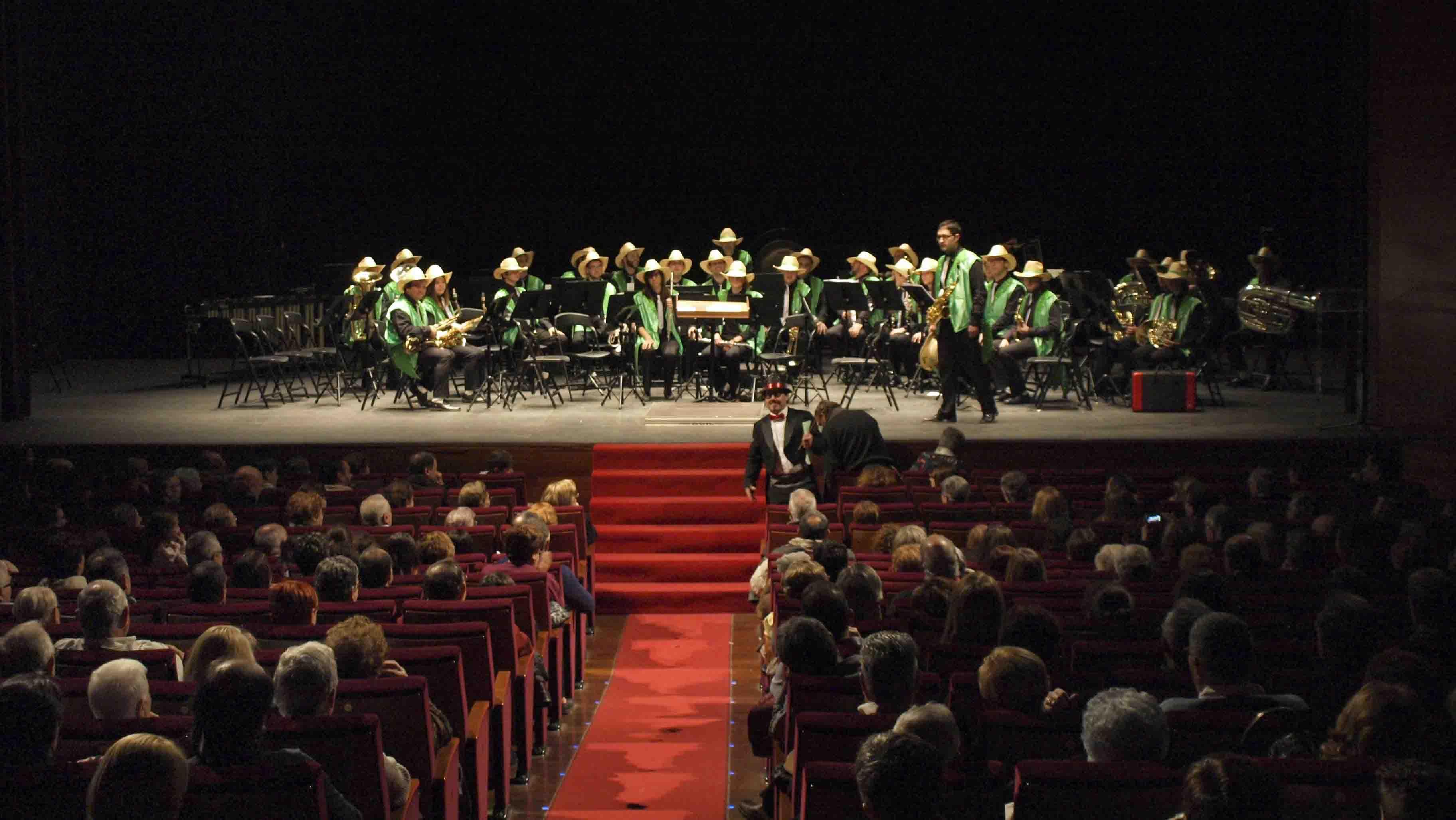 Catarroja rinde homenaje a su mítica banda El Empastre