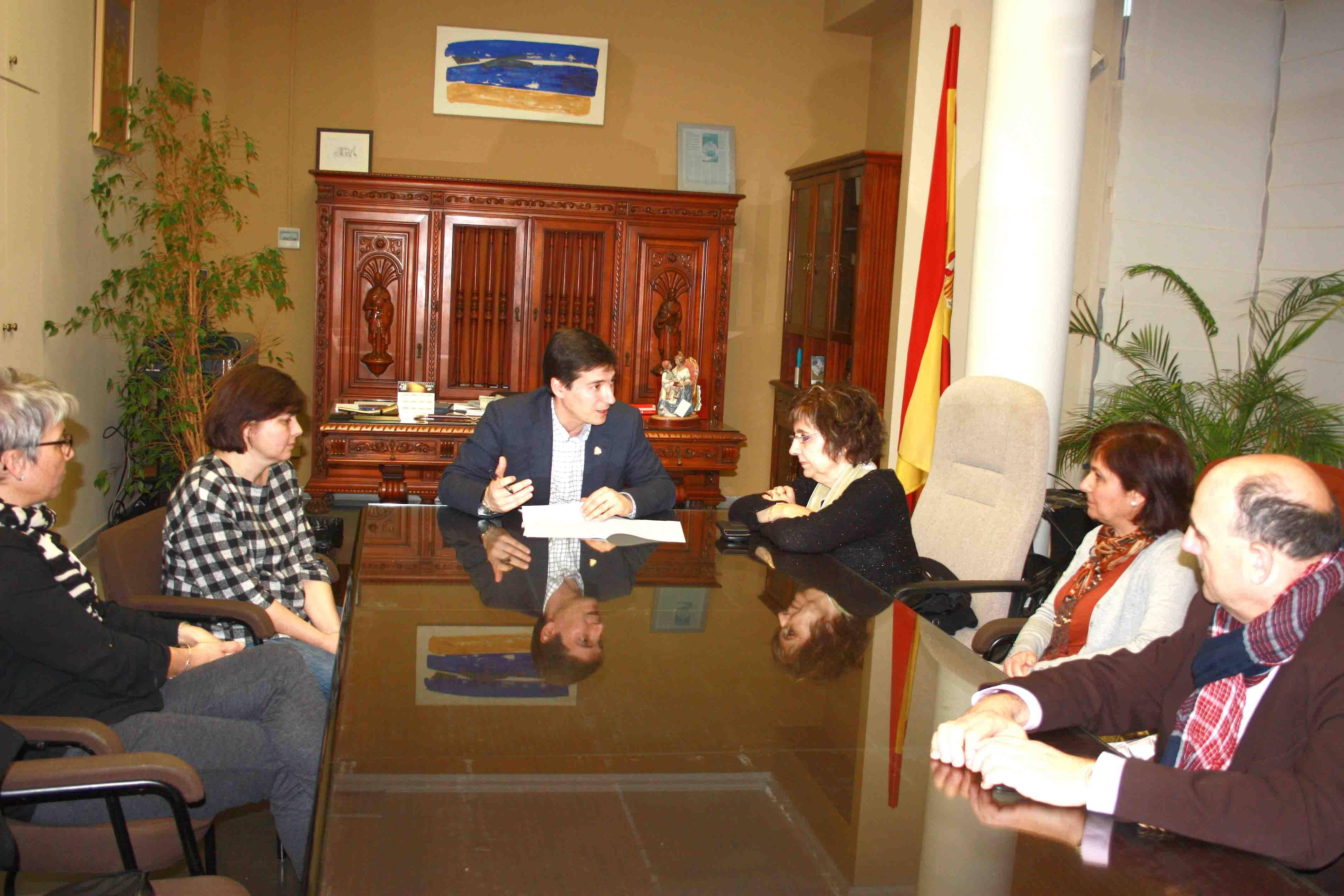 El Ayuntamiento de Burjassot aportará 2.000€ anuales al Banco de Alimentos de Lauri Volpi