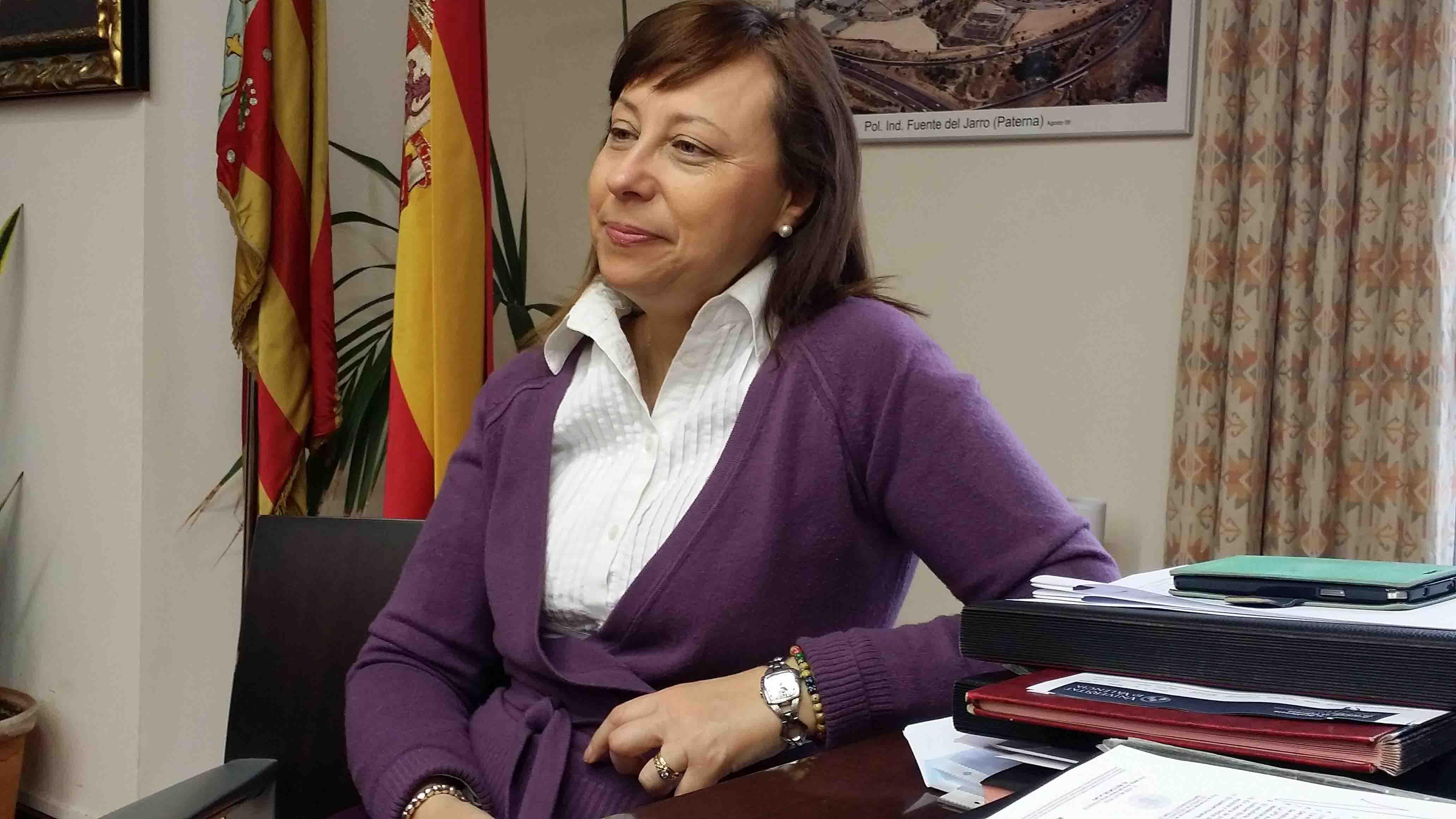 Elena Martínez garantiza un relevo tranquilo en el Ayuntamiento de Paterna