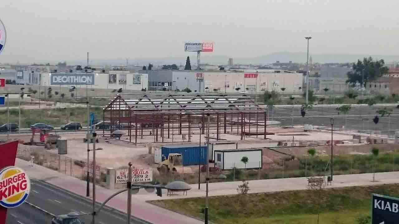 Avanzan a buen ritmo las obras de los nuevos establecimientos que abrirán en Alfafar Parc