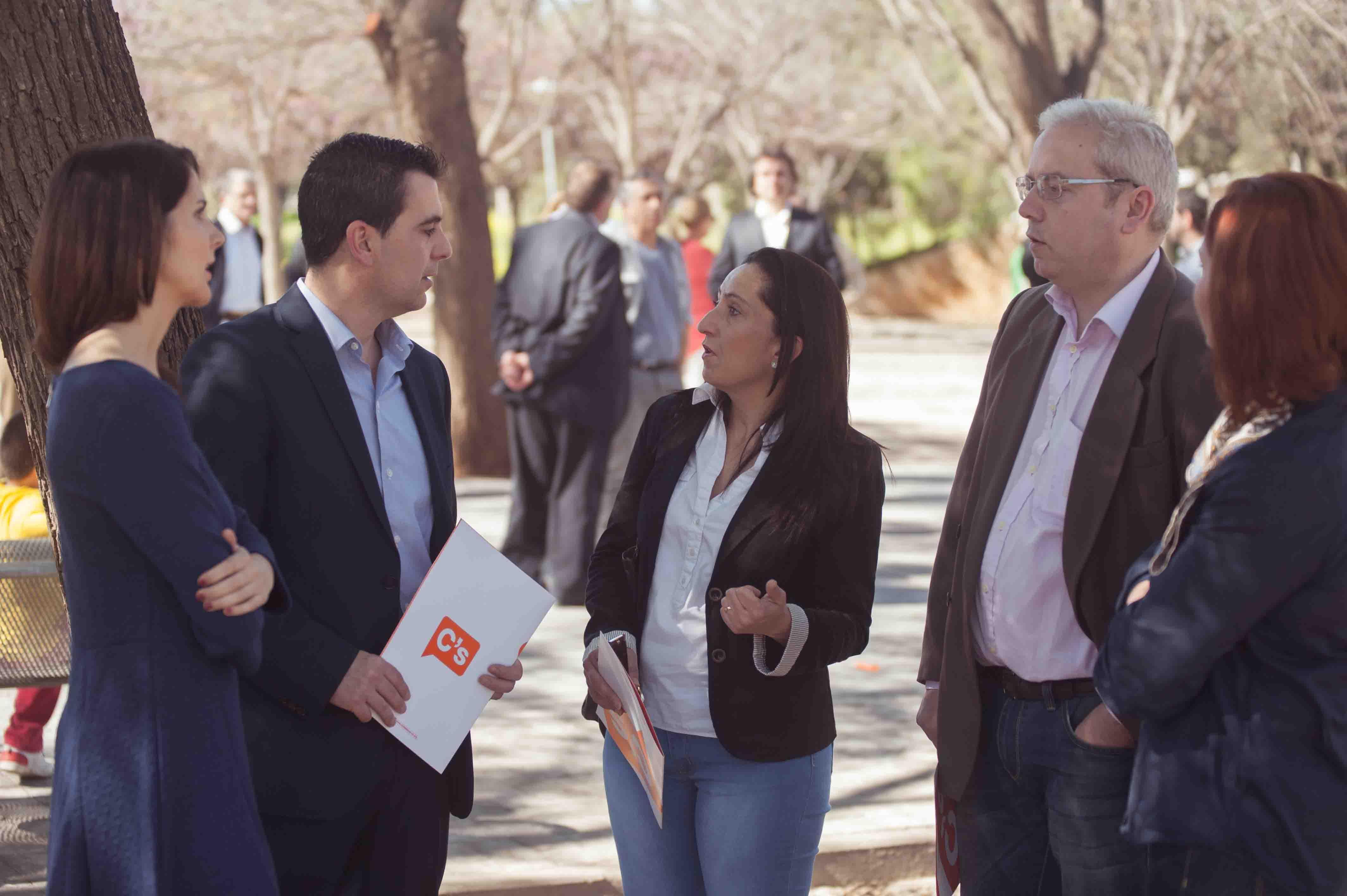 Ciudadanos Burjassot pide al Ayuntamiento información sobre los puestos de trabajo para verano
