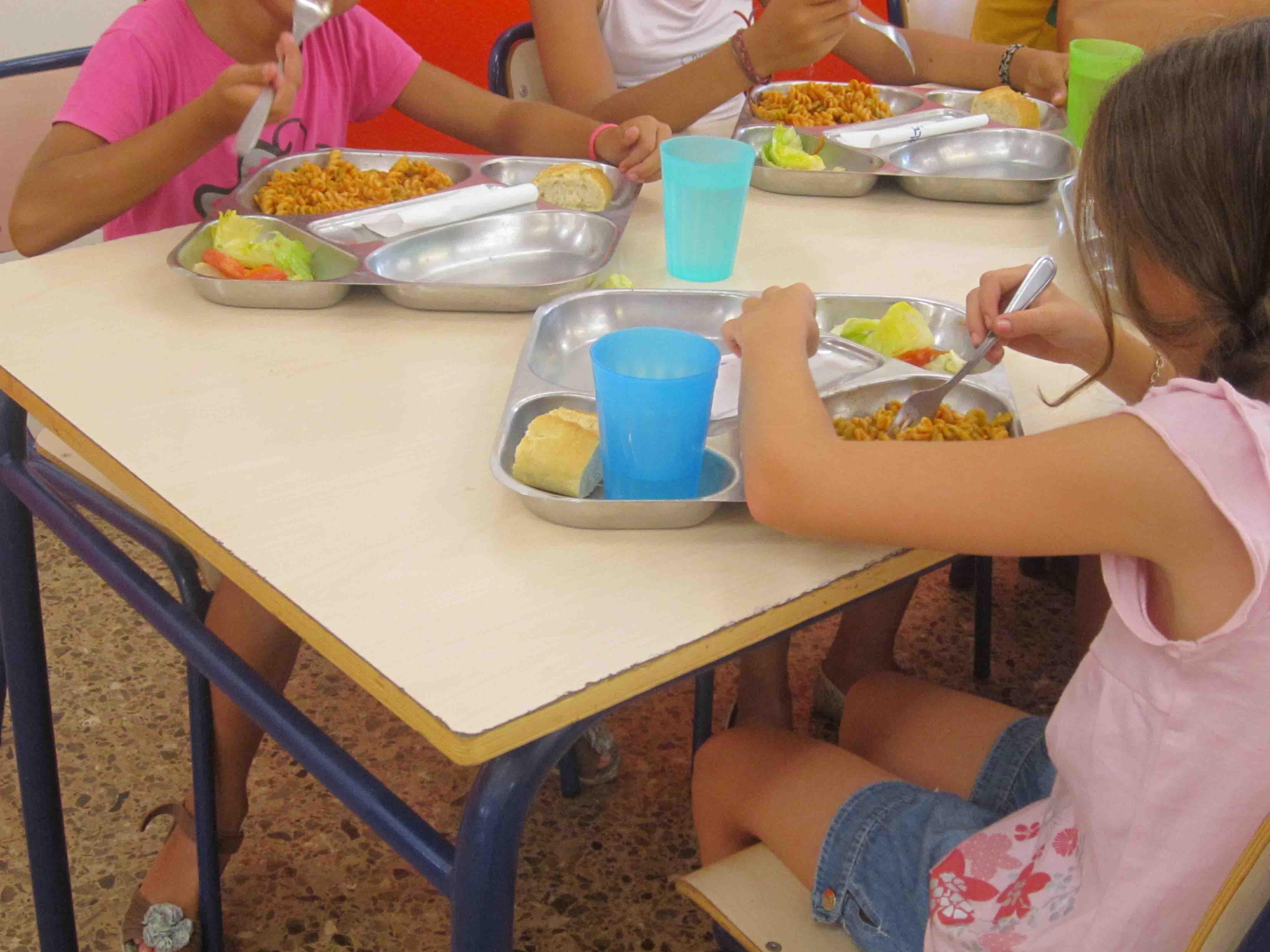 Comedor escolar los 365 días del año en Paterna para los menores con riesgo de exclusión social
