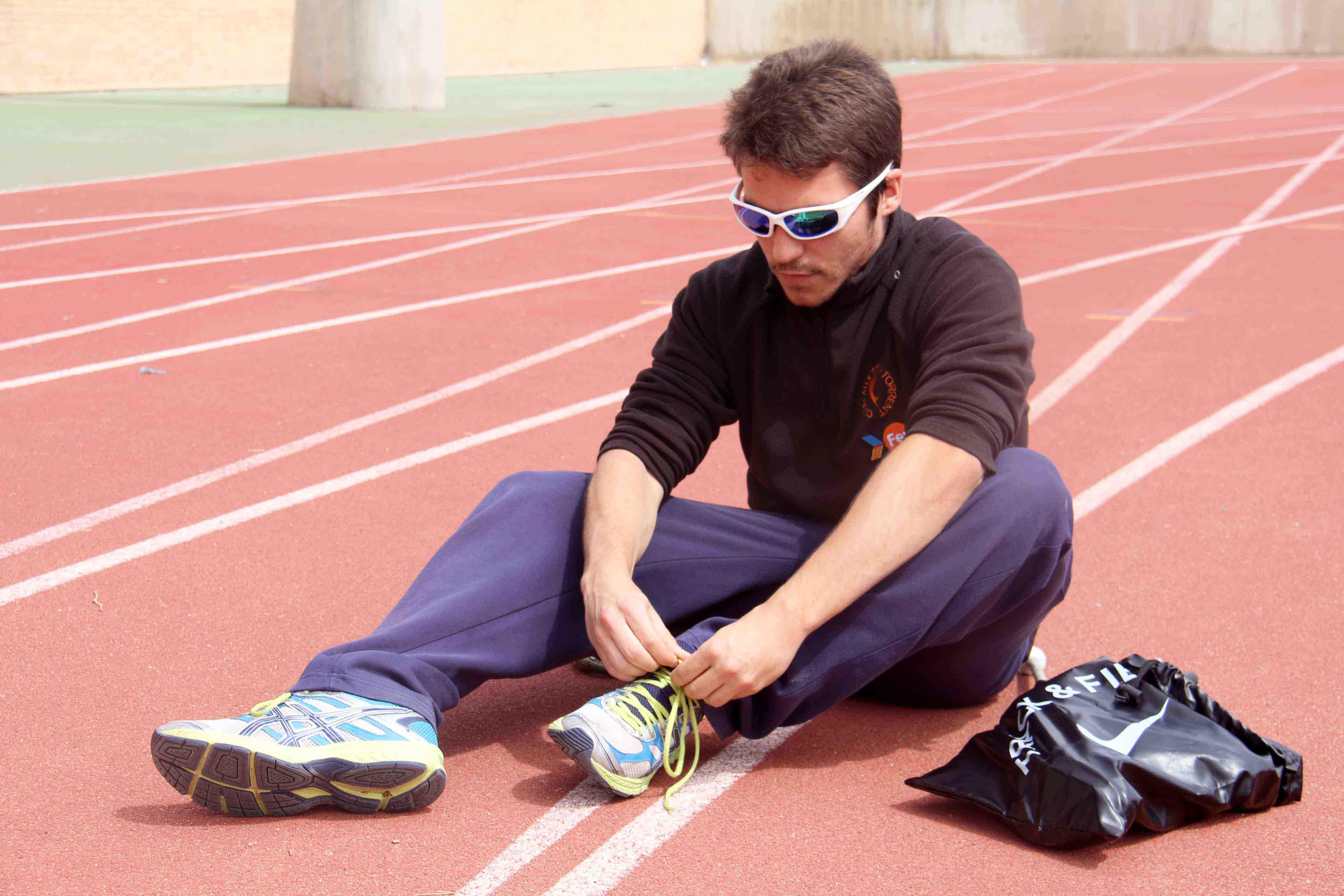 El atleta invidente de Torrent, Pablo Cantero, centrado en el Mundial de Atletismo de Qatar