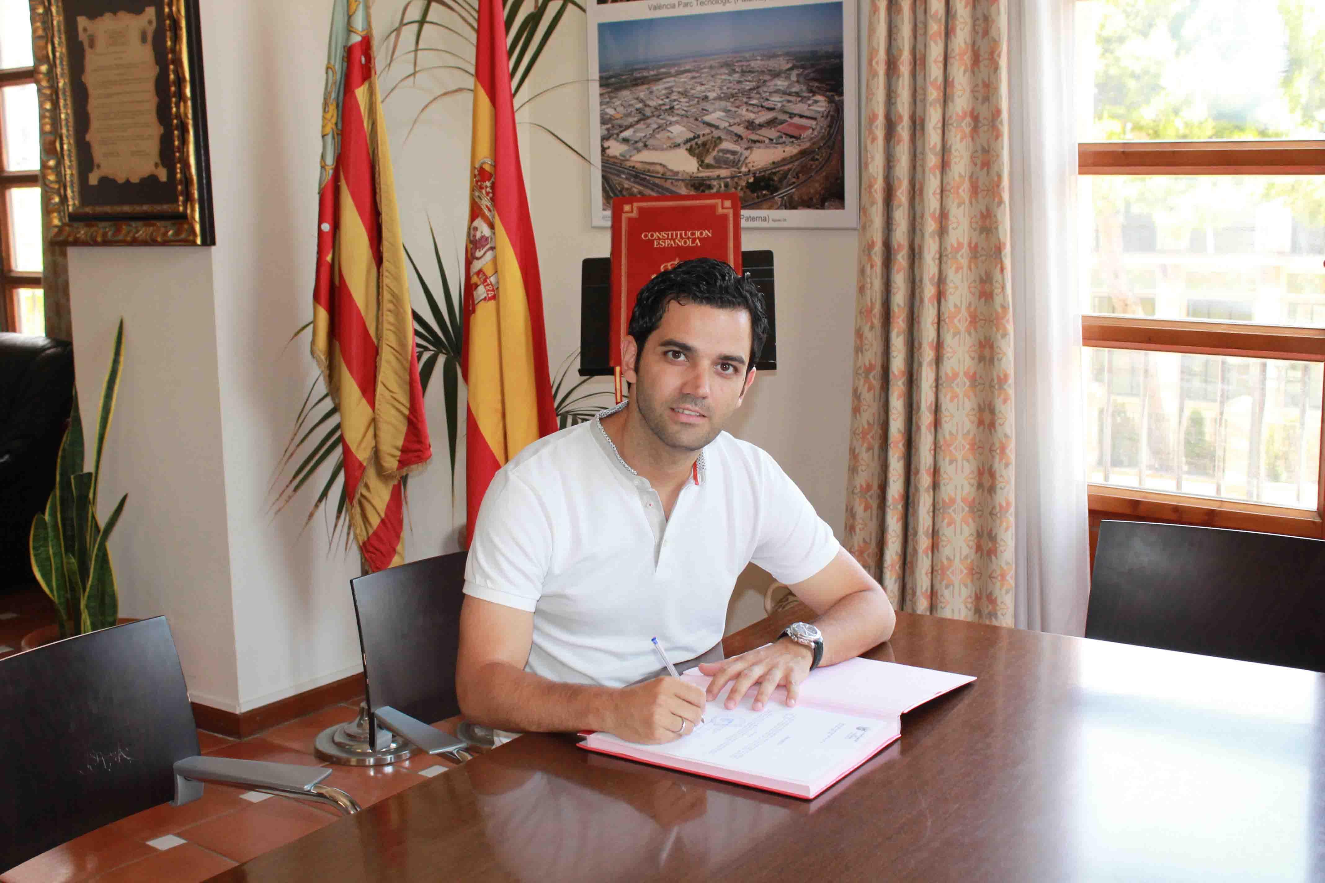 Revisión catastral y bolsa de empleo rotativa, primeras medidas del alcalde de Paterna