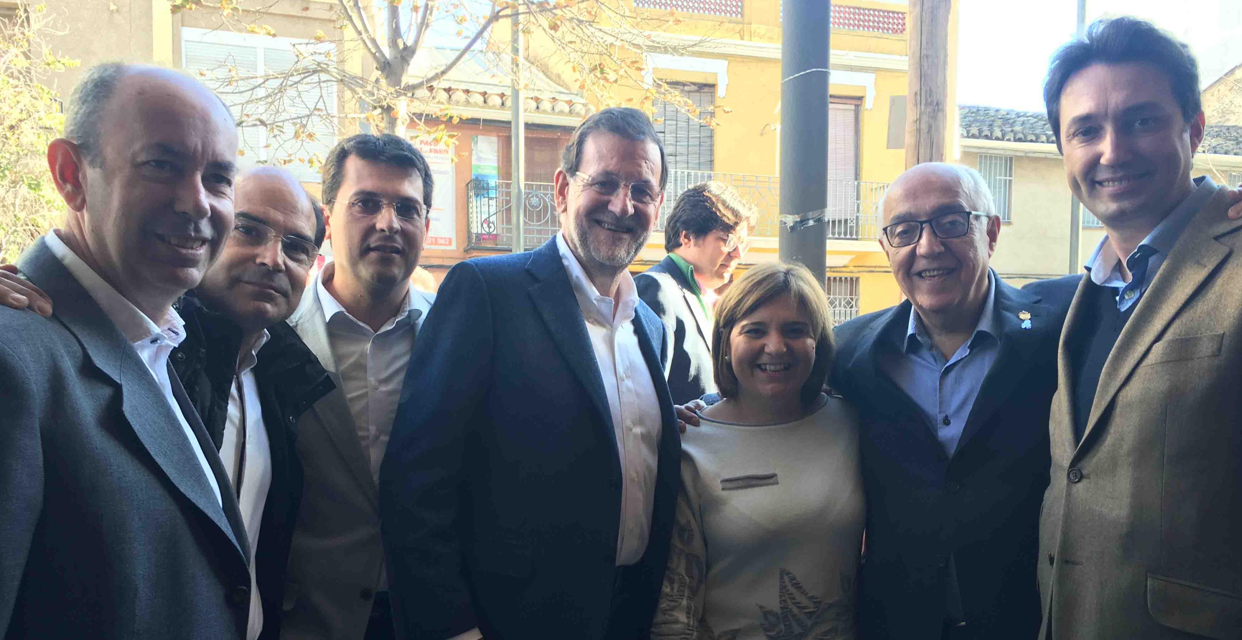 Rajoy visita Massanassa y analiza las líneas estratégicas de la campaña