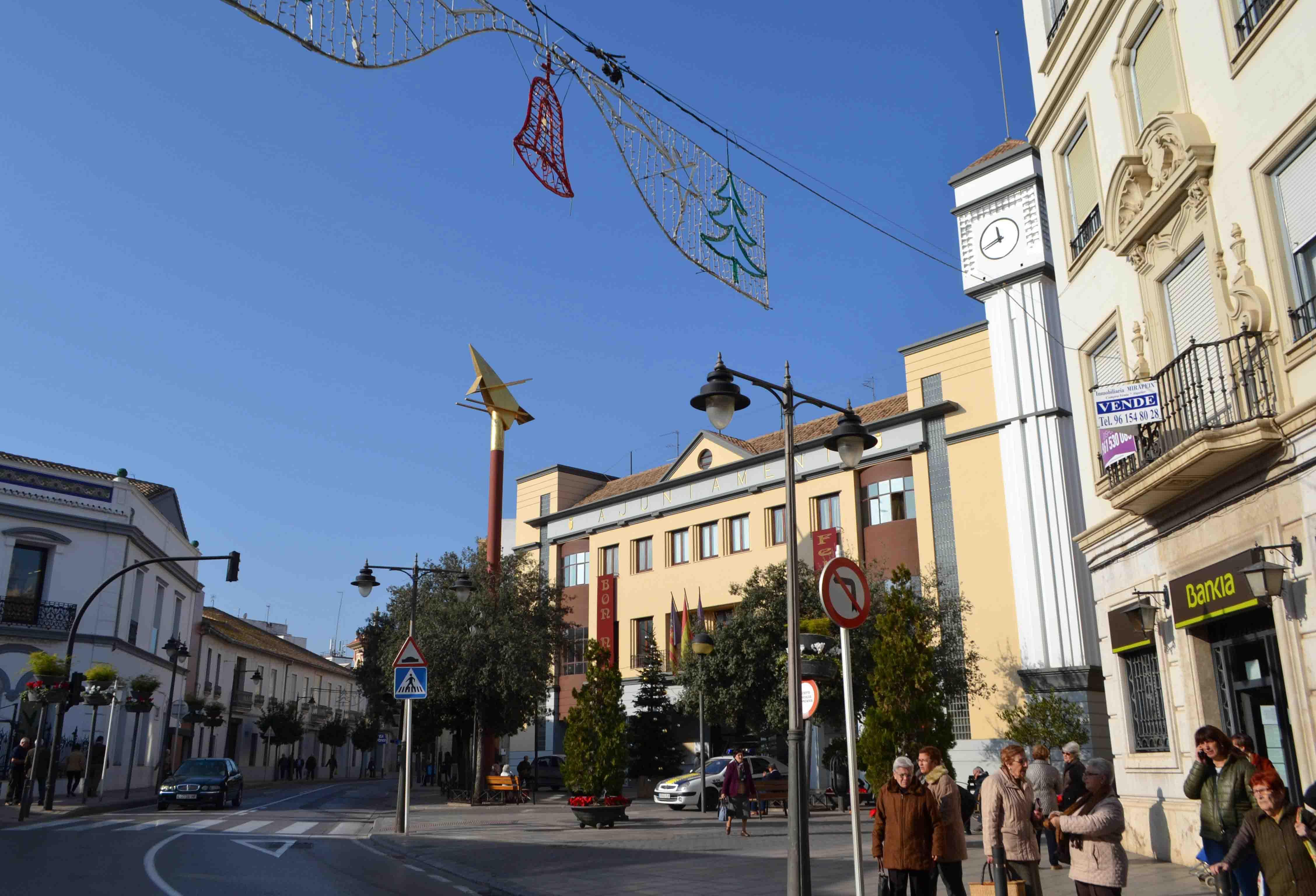 Quart de Poblet retira en un temps rècord la publicitat electoral