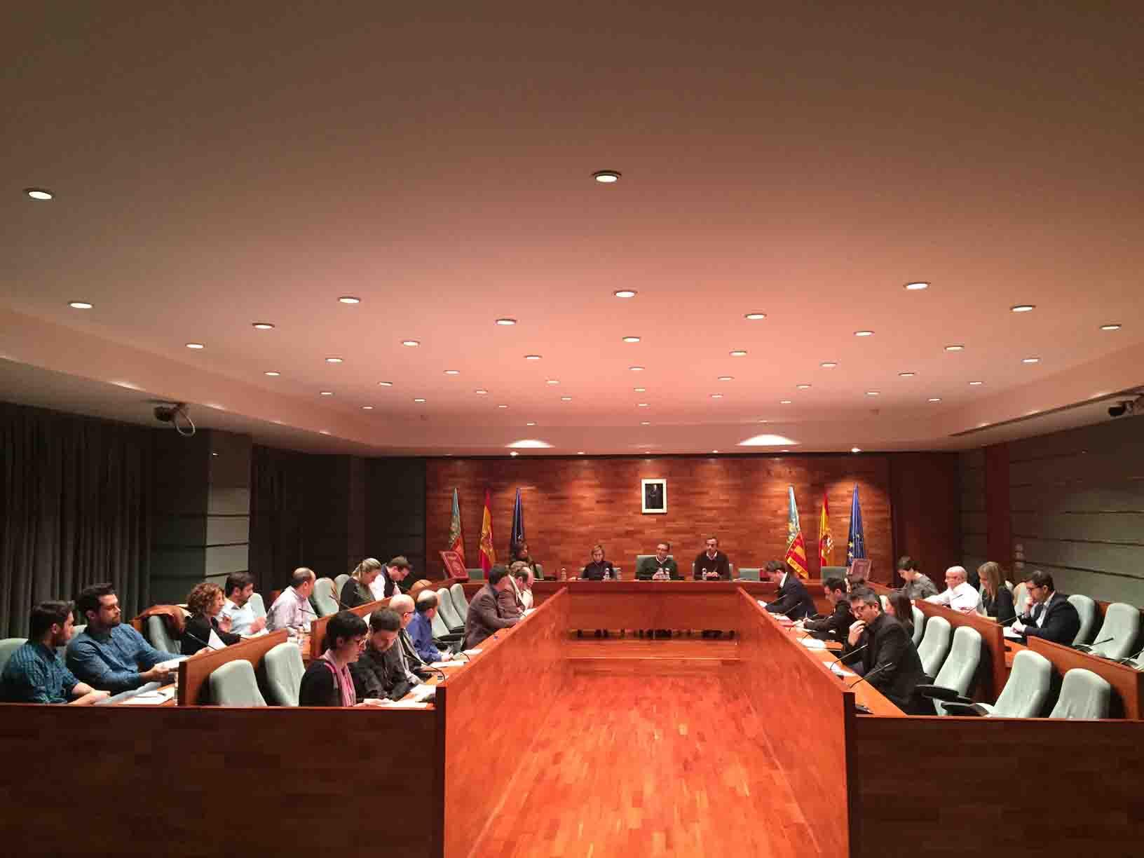 Torrent aprueba los presupuestos de 2016 dirigidos a las personas y sus necesidades