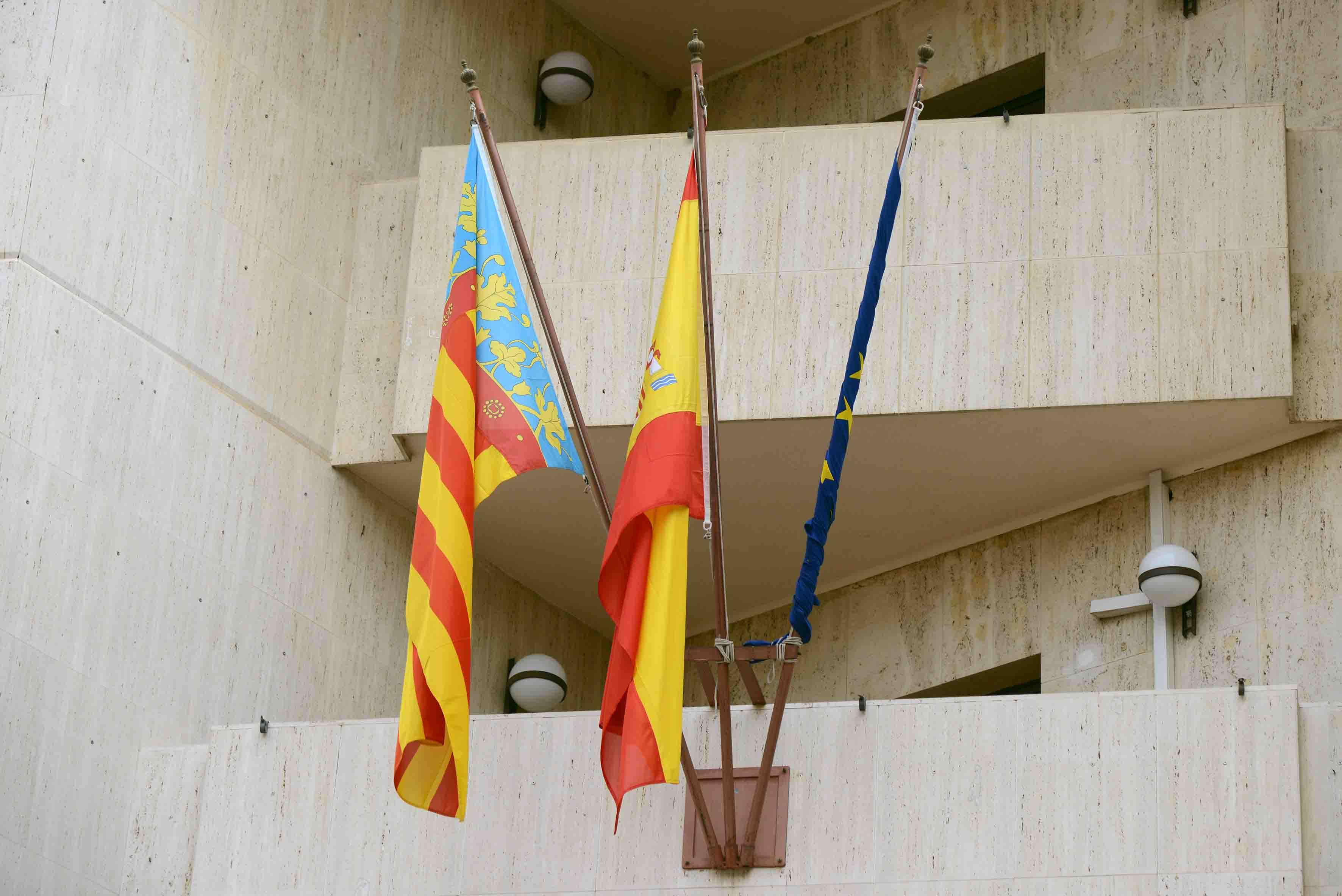 Paiporta lliga la bandera de la Unió Europea
