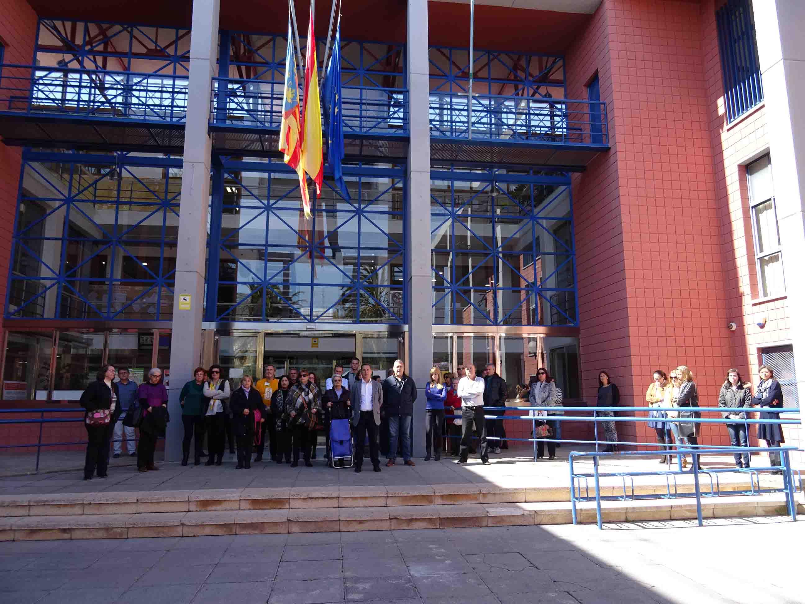 L'Horta guarda silenci per les víctimes dels atemptats de Brussel.les