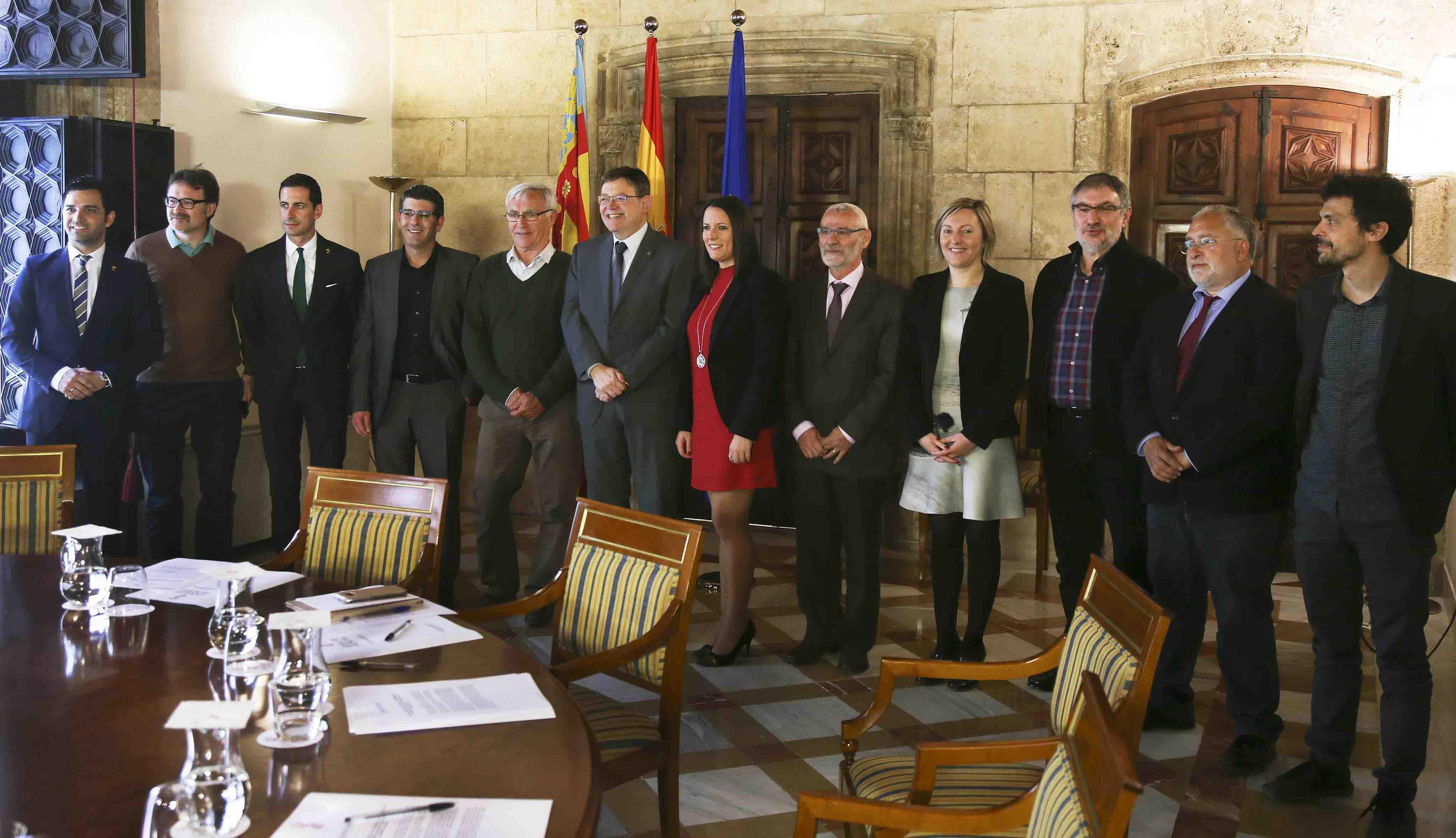 La EMT vuelve a los municipios de l'Horta a coste cero para los ayuntamientos