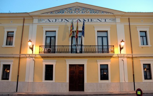"""L'equip de govern de Manises tanca l'Escoleta Infantil """"Aiguamanil"""" per excés de vacants"""