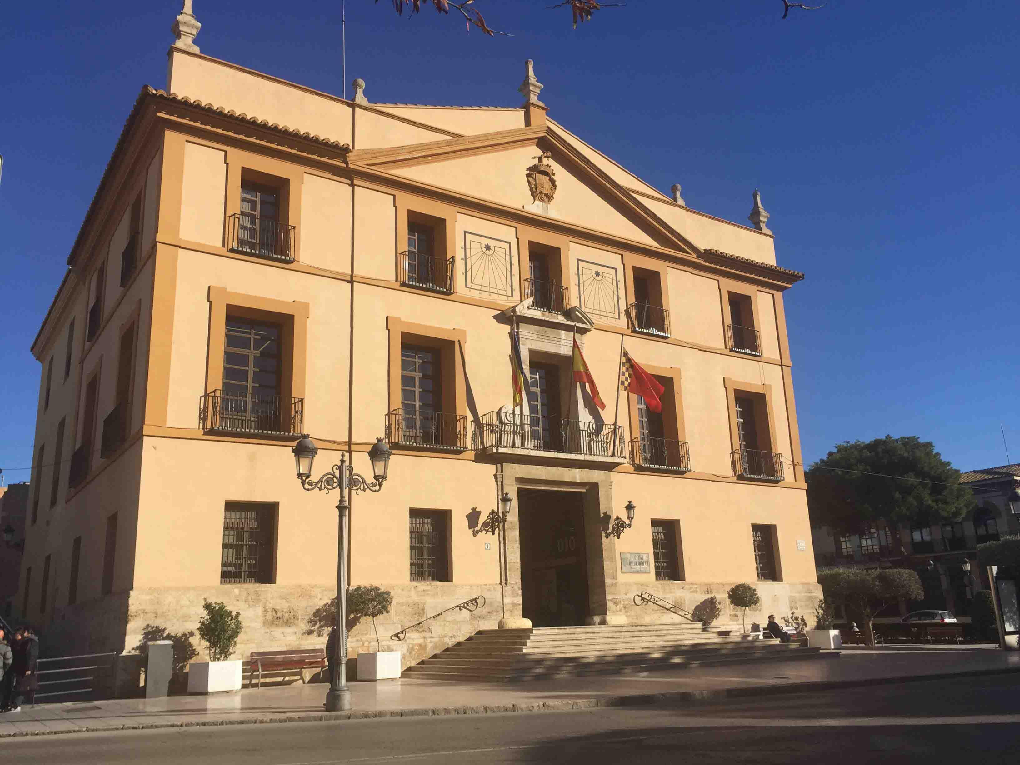 51 condenados podrán realizar en Paterna trabajos en beneficio de la comunidad