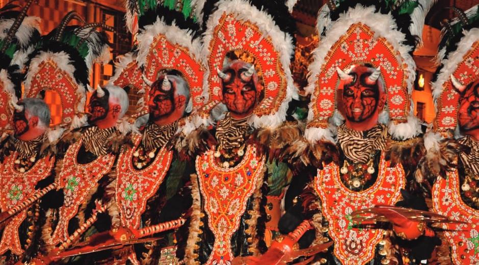Seis idiomas para atraer a turistas a las fiestas de Paterna