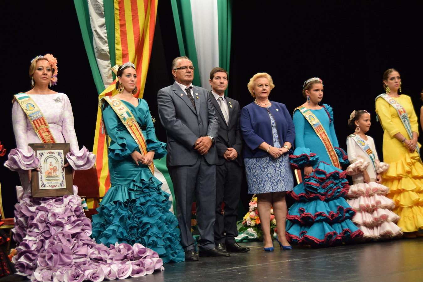 La asociación andaluza de Burjassot corona a sus reinas
