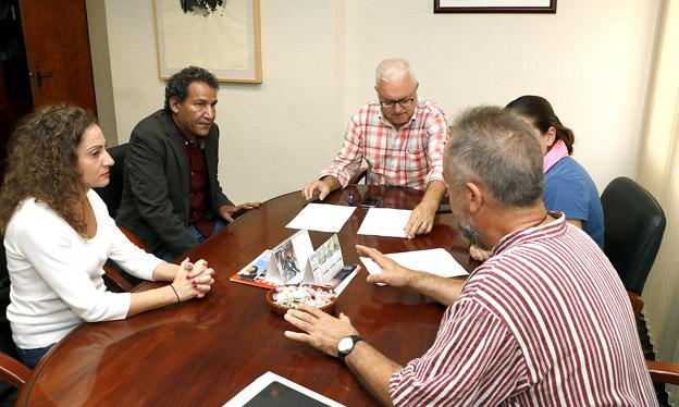 Puçol renueva el acuerdo de cooperación con el pueblo saharaui para favorecer su desarrollo