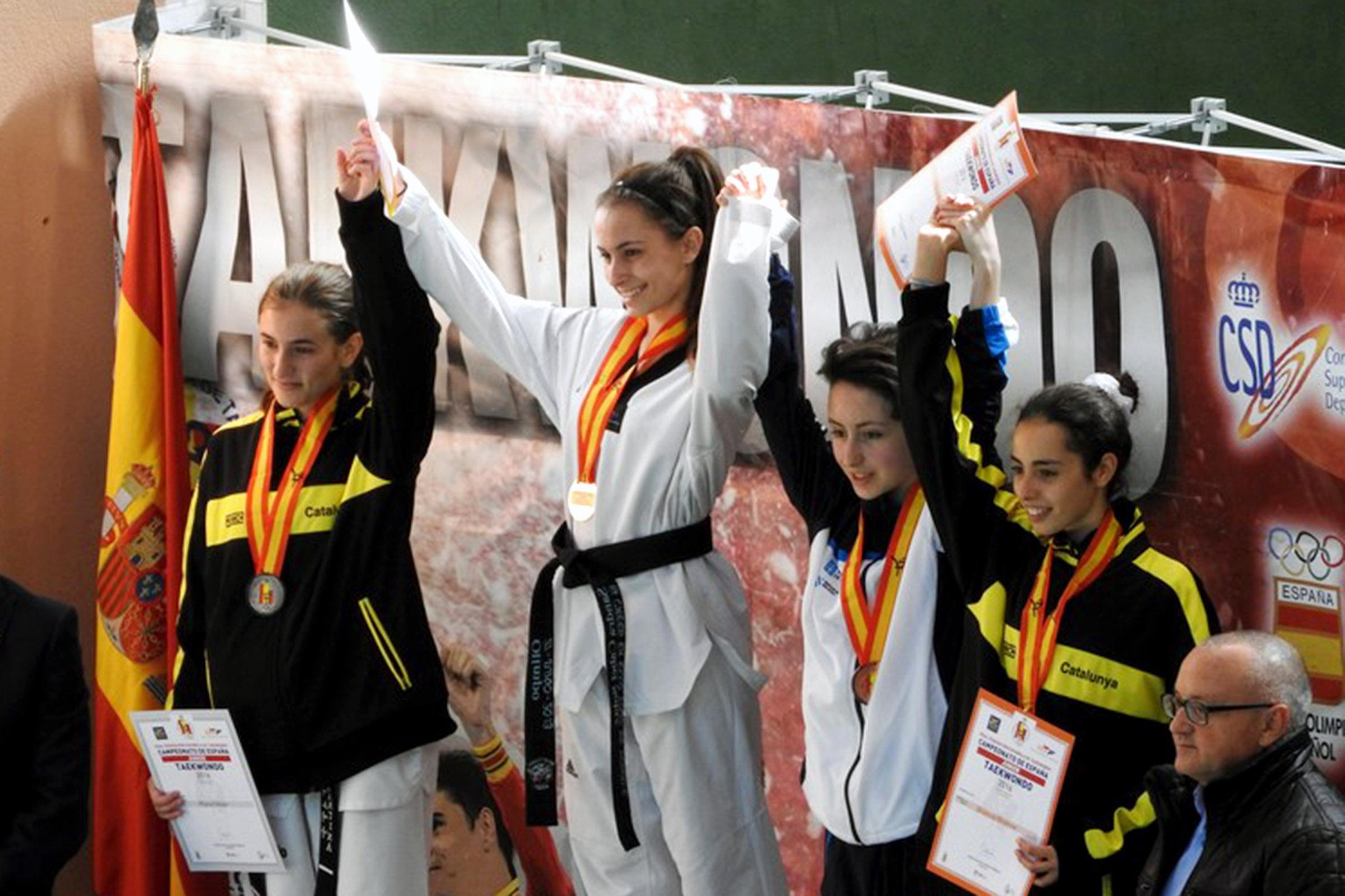 Una taekwondista de Paiporta, campeona de España junior