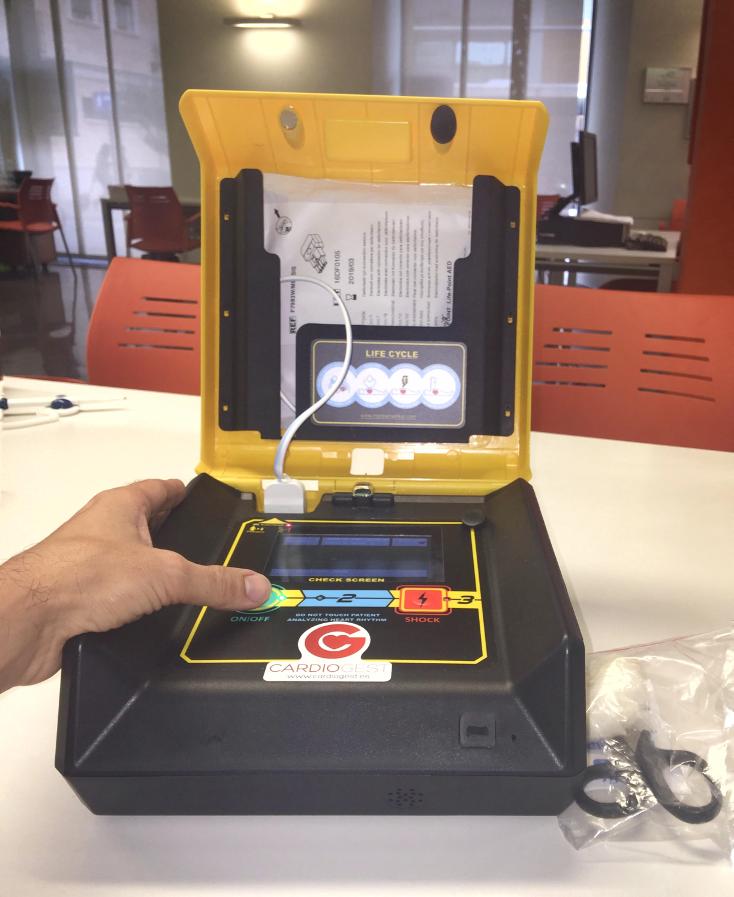 Alboraia instala desfibriladores en varios edificios públicos