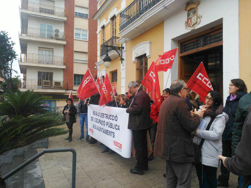 Totes amb Burjassot se suma a la protesta de CCOO por la reducción de la brigada de obras a la mitad