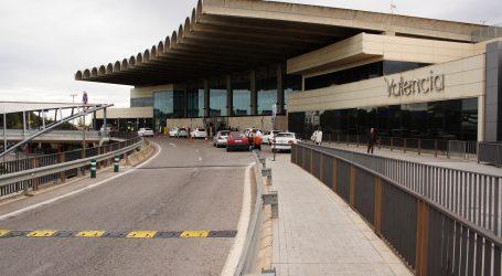 Interceptados 26 kilos de angulas en bolsas de agua en aeropuerto de Manises