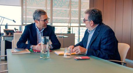 Ros se reúne con el conseller Arcadi España para revisar el avance del Puente de McDonalds y otros proyectos que atañen a Torrent