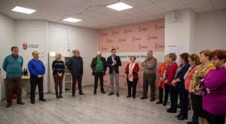 La Agrupación Vecinal de Mislata dona 9.100 euros a la lucha contra el cáncer