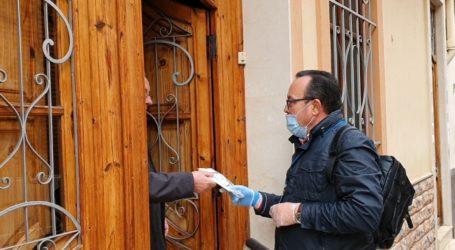 El Ayuntamiento de Torrent comienza el reparto de las mascarillas higiénicas a los domicilios