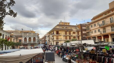 Paterna acuerda con el mercado ambulante abrir el 9 de junio, al 50% de ocupación y en la explanada del cohetódromo