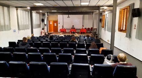 La comunitat educativa de Godella es reuneix amb els responsables sanitaris per analitzar la tornada a les classes en el marc de la COVID-19