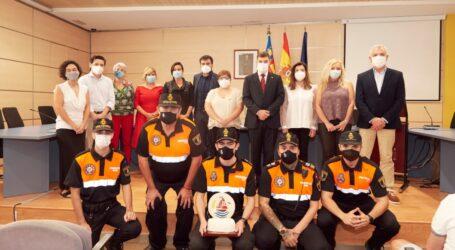L'Agrupació de voluntaris de Protecció Civil,  guardonada amb el Premi Farnals