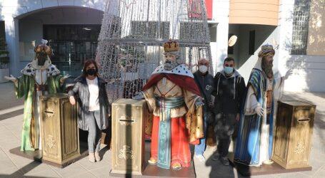 Quart de Poblet recibe unos buzones reales para que los niños y niñas puedan mandar sus cartas a los Reyes Magos