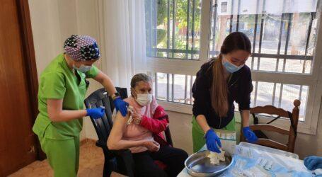 El Centre de Salut d'Albal comença a vacunar demà als majors de 90 anys