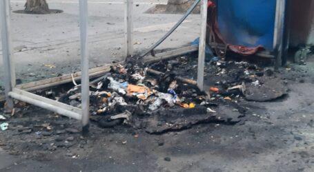 Arden varios contenedores en la playa de La Pobla de Farnals